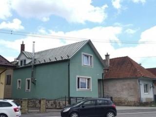 Náter strechy, žľabov a drevených vikierov_2